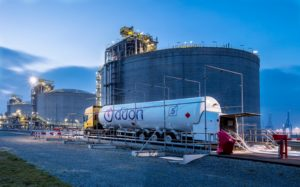 LNG tanker vehicle, Location: Maasvlakte (Photo: Eric Bakker)